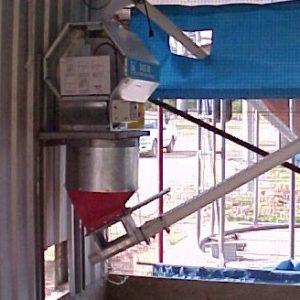batch weigher pick up 75mm flex auger 2